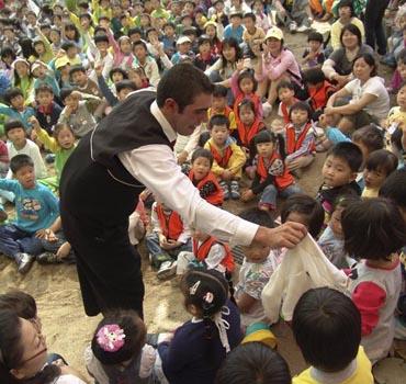 espectáculo de magia para niños de Adrián Conde