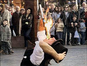 Adrián Conde y magia en la calle