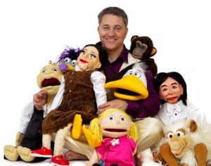El Señor Pérez con sus muñecos
